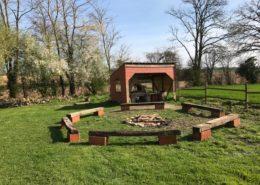le domaine de la cour - barbecue et feux de camp avec gite