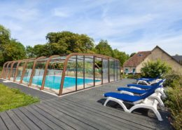 le domaine de la cour - terrasse extérieur avec piscine en normandie