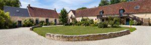 le domaine de la cour - photo estérieur gite jardin avec terrasse