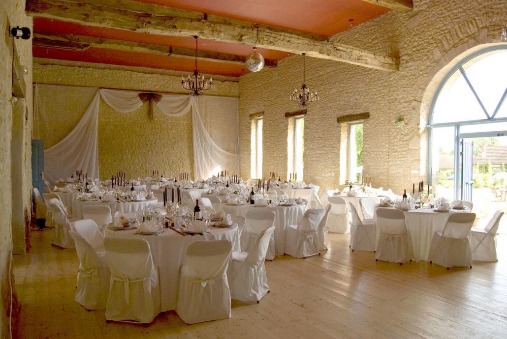 salle de mariage avec décoration